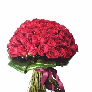 buchet 101b 300x300 - Acasă - Florarie Online Curtea de Arges
