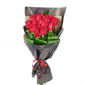 buchet 19 trandafiri rosii 300x300 - Acasă - Florarie Online Curtea de Arges