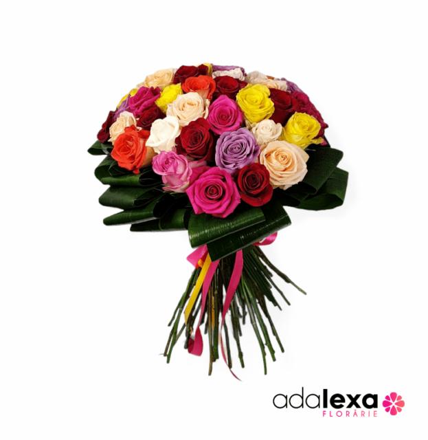 w buchet trandafiri multicolori